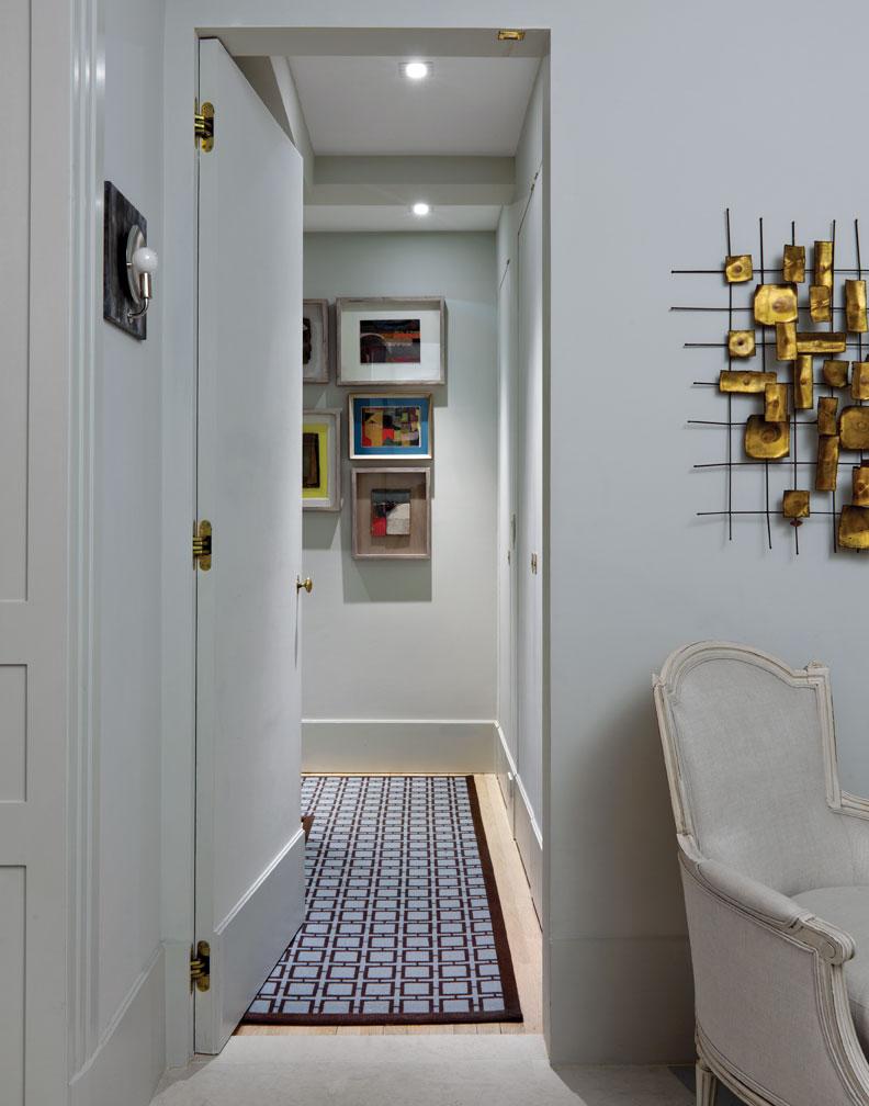 Art deco apartment in the el dorado remodelaholic for Apartment hallway design