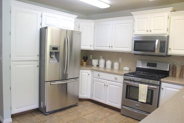 Favorite kitchen remodel ideas remodelaholic for Budget kitchens