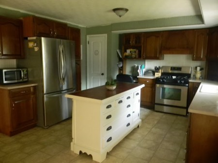 best kitchen remodel ideas -- secondhand craigslist kitchen remodel, Binkies and Briefcases on Remodelaholic