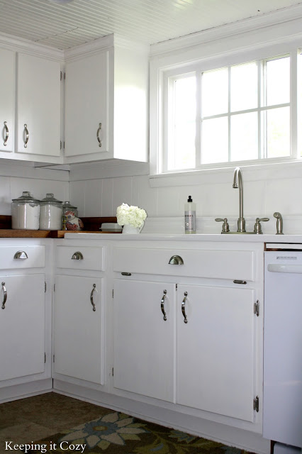 Favorite kitchen remodel ideas remodelaholic for Ideas to redo old kitchen cabinets