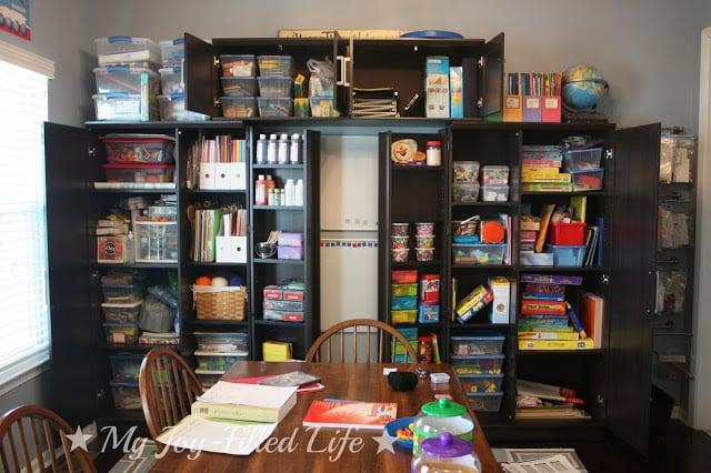Top ten creative homework station ideas remodelaholic for Homeschool dining room ideas