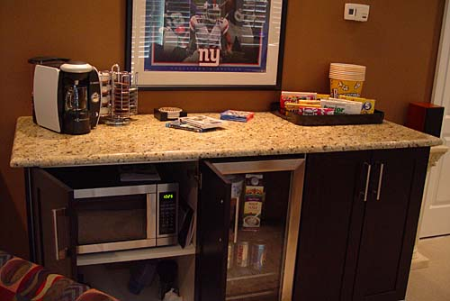 Create your own self serve coffee bar remodelaholic for Home bars furniture ikea