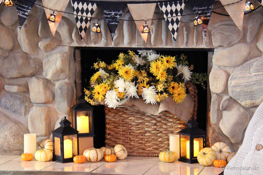 remodelaholic fall and halloween mantel