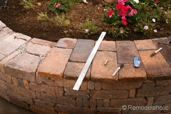 retaining wall tutorial from Remodelaholic