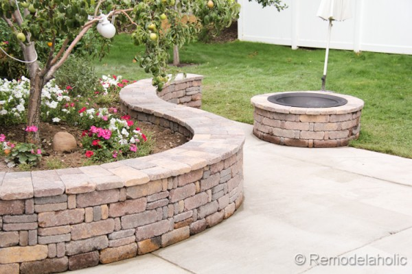 diy curved seat wall and fire pit construction haven home business directory. Black Bedroom Furniture Sets. Home Design Ideas