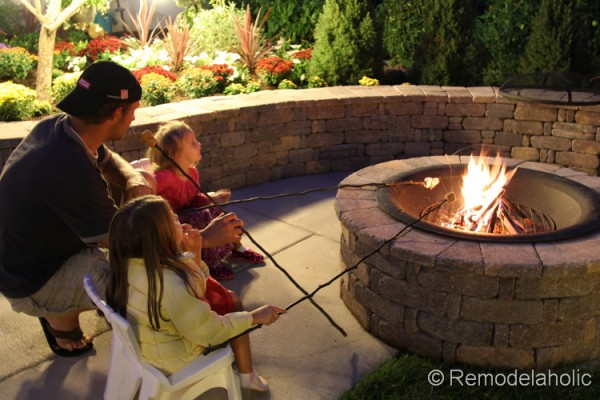 how to build a fire pit, from Remodelaholic