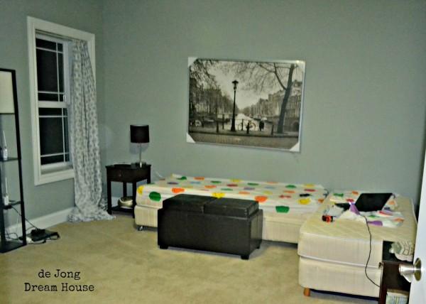 flex room, split beds