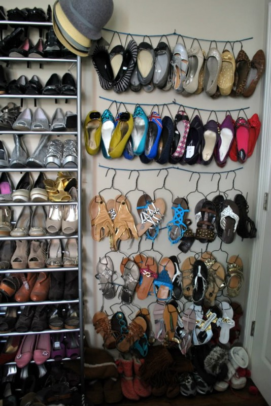 remodelaholic top ten shoe storage ideas and link party. Black Bedroom Furniture Sets. Home Design Ideas