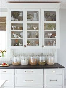classic kitchen curio tips via Remodelaholic.com
