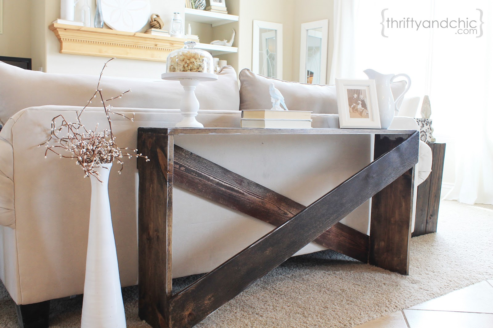 How to make a sofa table from 1 x 6 lumber - Cute And Easy Diy Sofa Table Featured On Remodelaholic Com