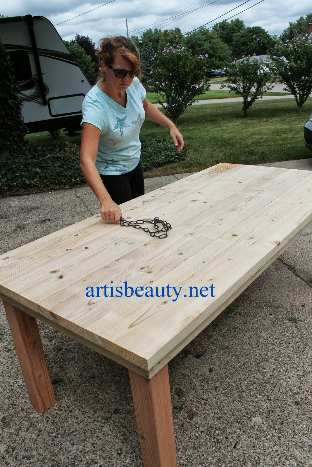 Use A Chain To Give The Farmhouse Table Character, Featured On  Remodelaholic.com