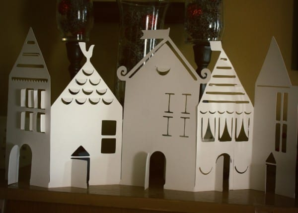A cute printable template for a paper house village and other paper Christmas decorations at Remodelaholic.com