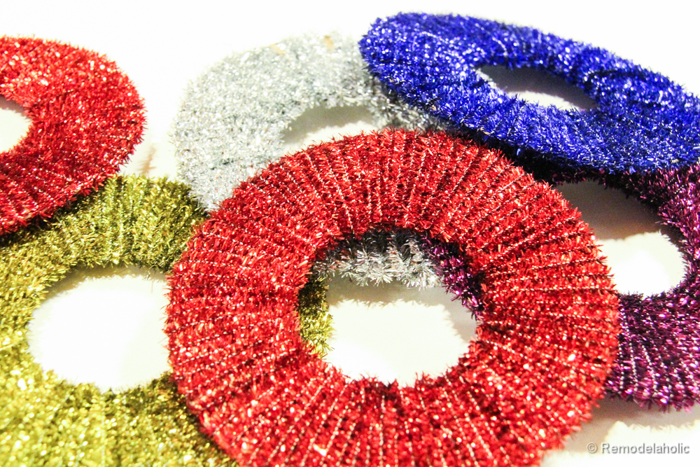 Pipe Cleaner Wreath Ornaments, Day 2