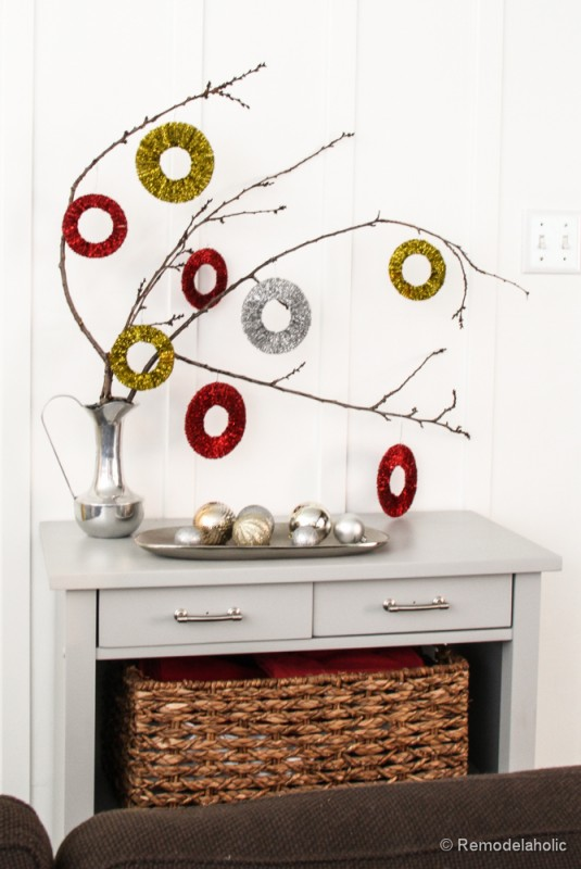 Pipe Cleaner Chirstmas Wreath ornament tutorial-13