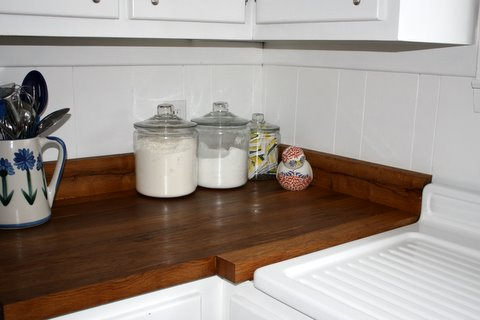 Get This Look Warm Wood Tones In A White Kitchen Remodelaholic