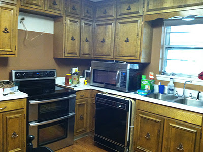 1960s ranch kitchen  pre renovation rain on a tin roof featured on remodelaholic jpg 1960 u2032s ranch kitchen renovation with custom island   remodelaholic      rh   bloglovin com