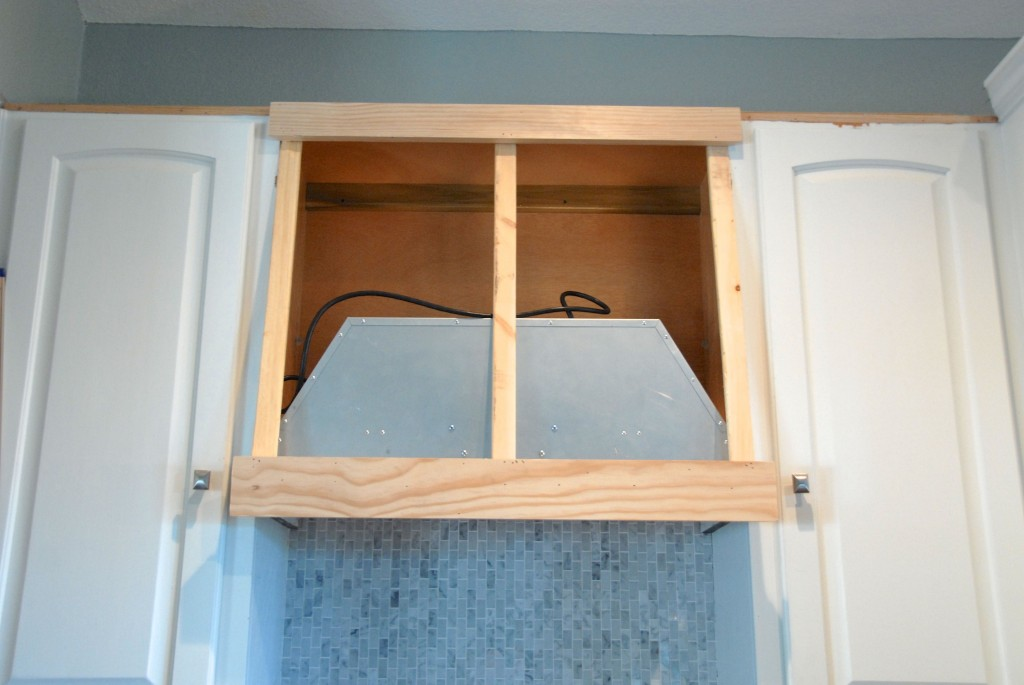 How To Build A Custom Range Hood, The Rozy Home Featured On Remodelaholic