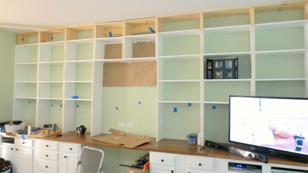 Remodelaholic Build A Wall To Wall Built In Desk And
