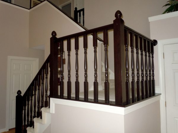 oak stair railing makeover using gel stain, Semi-Domesticated Mama featured on Remodelaholic