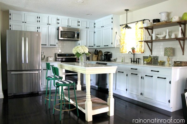 Awesome 1960u0027s Renovated Ranch Kitchen Tour | Rain On A Tin Roof Featured On  Remodelaholic.com