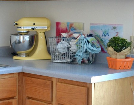 Great ideas to personalize your rental kitchen. from remodelaholic
