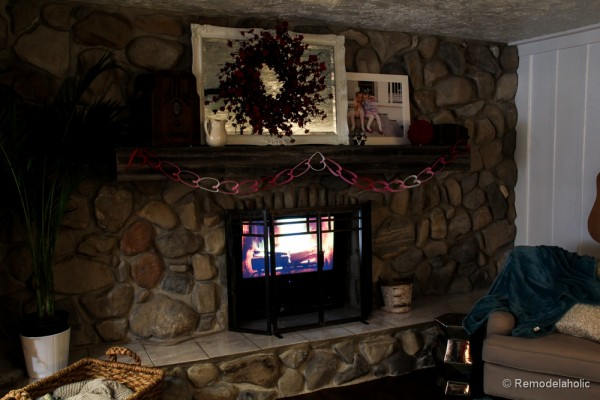 Valentines mantel and TV in fireplace (8 of 8)