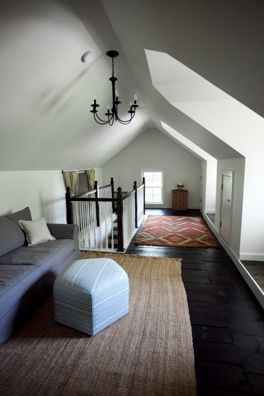 Remodelaholic 25 inspiring finished attics An attic room
