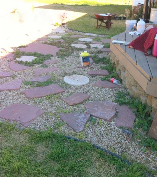 before building the wooden pallet deck, The Second Wind of Texas featured on Remodelaholic