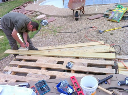 building a pallet wood deck, The Second Wind of Texas featured on Remodelaholic