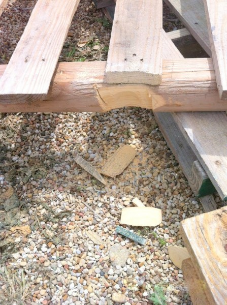 building the pallet wood deck, The Second Wind of Texas featured on Remodelaholic