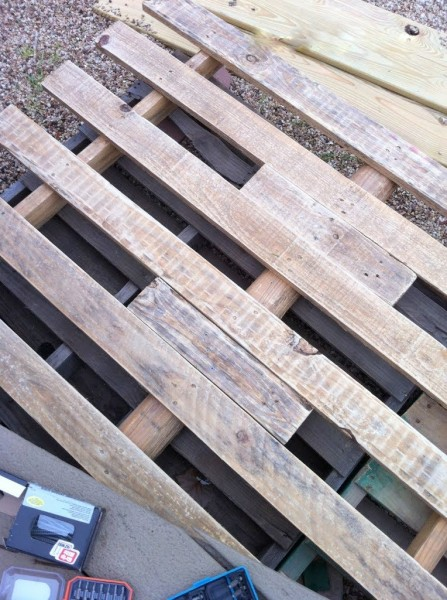 filler wood in a pallet deck, The Second Wind of Texas featured on Remodelaholic
