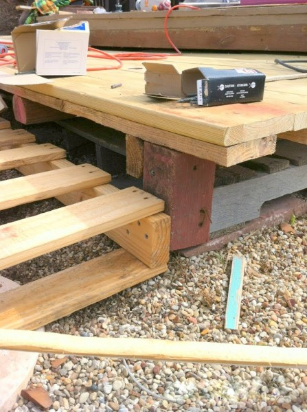 stepped pallet deck DIY, The Second Wind of Texas featured on Remodelaholic