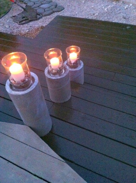 steps on diy wooden pallet deck, The Second Wind of Texas featured on Remodelaholic