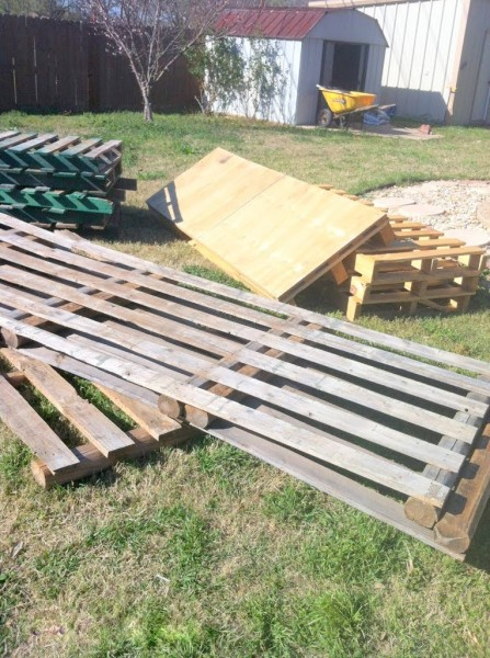 wooden pallet deck with pallets from ReStore, The Second Wind of Texas featured on Remodelaholic