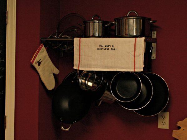 02-07 pot rack IKEA hack, Mrs Bomb
