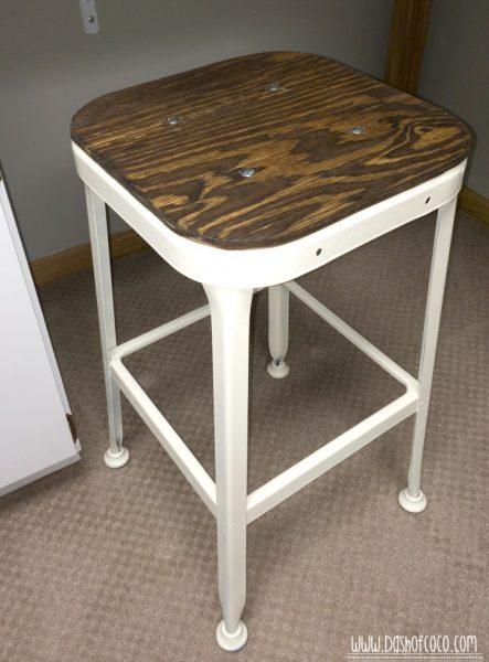 Vintage stool Hack