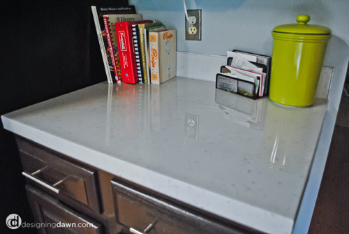 Paint Countertop Solid Color : Glossy painted laminate counters Designing Dawn featured at ...