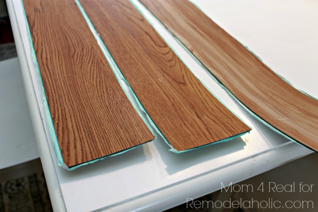 remodelaholic diy plank backsplash using peel and stick vinyl flooring. Black Bedroom Furniture Sets. Home Design Ideas