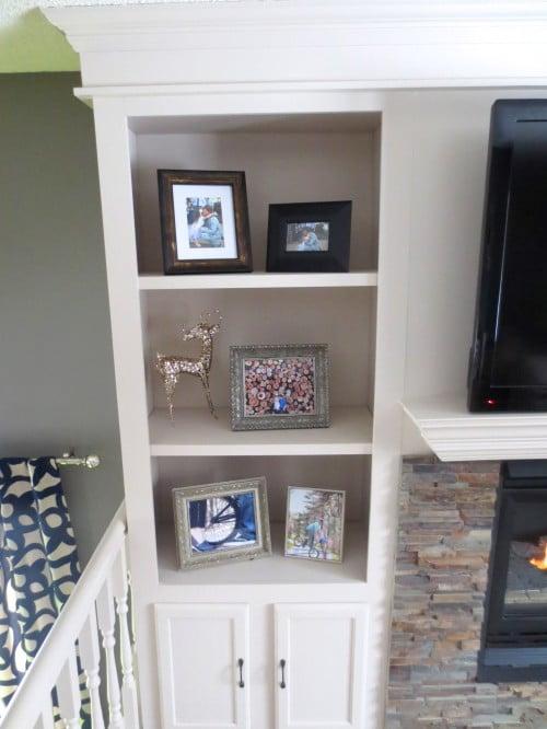 remodelaholic fireplace makeover with built in shelves. Black Bedroom Furniture Sets. Home Design Ideas