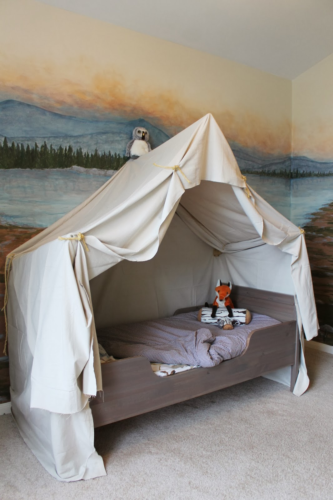 remodelaholic camping tent bed in a kid 39 s woodland bedroom. Black Bedroom Furniture Sets. Home Design Ideas