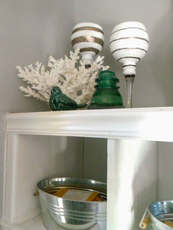 mudroom cubby details, Home Heart and Hands featured on Remodelaholic