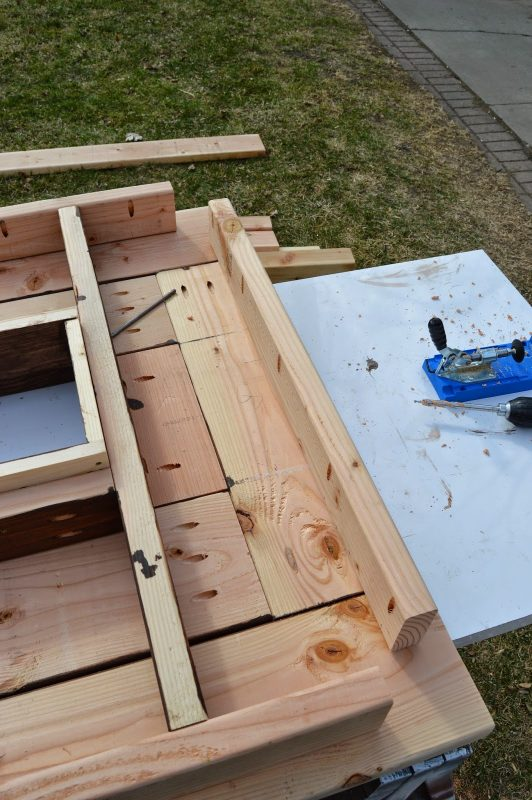 attach ice box frame to patio table top 04, Kruse's Workshop on Remodelaholic