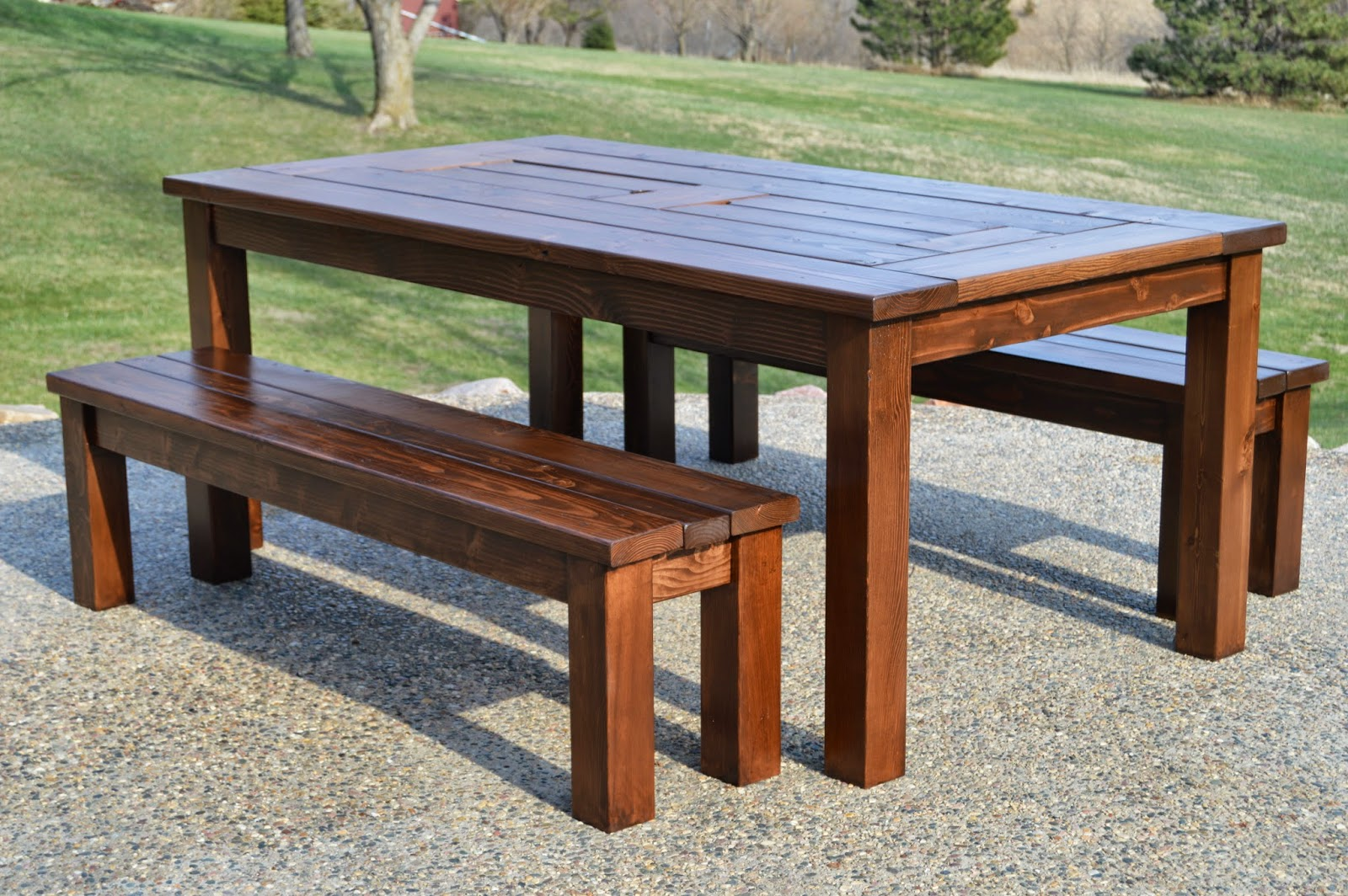 Remodelaholic build a patio table with built in ice boxes for Patio table with built in cooler
