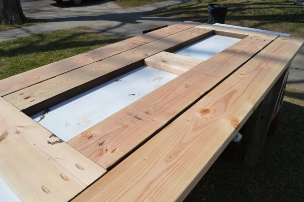 build patio table top with ice box 11, Kruse's Workshop on Remodelaholic