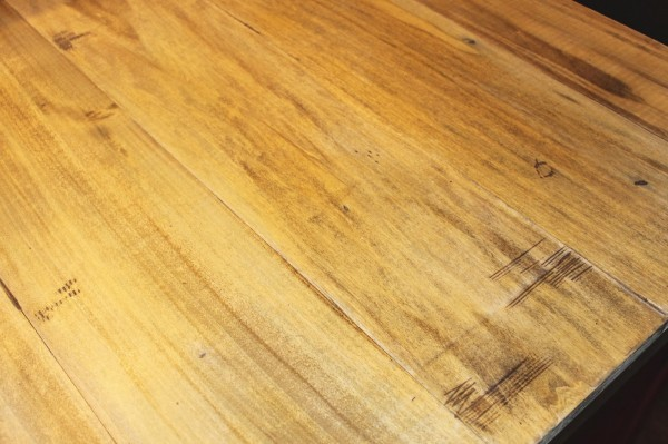 details of faux reclaimed wood countertops, The Ragged Wren on Remodelaholic