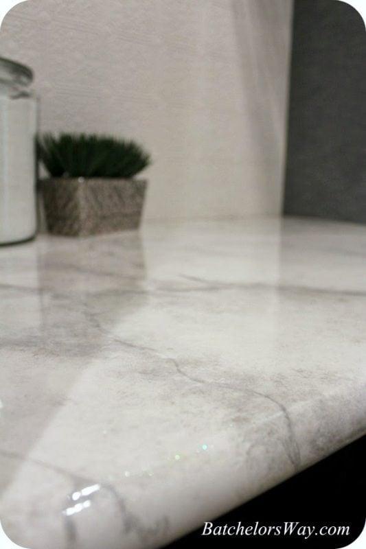 https://www.remodelaholic.com/diy-faux-marble-countertops/