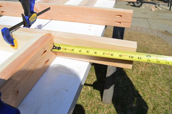 fit patio table ice box frames to supports 2, Kruse's Workshop on Remodelaholic