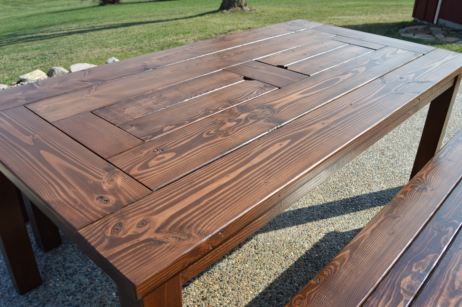 Backyard Table Plans : patio table with ice boxes, Kruses Workshop on Remodelaholic