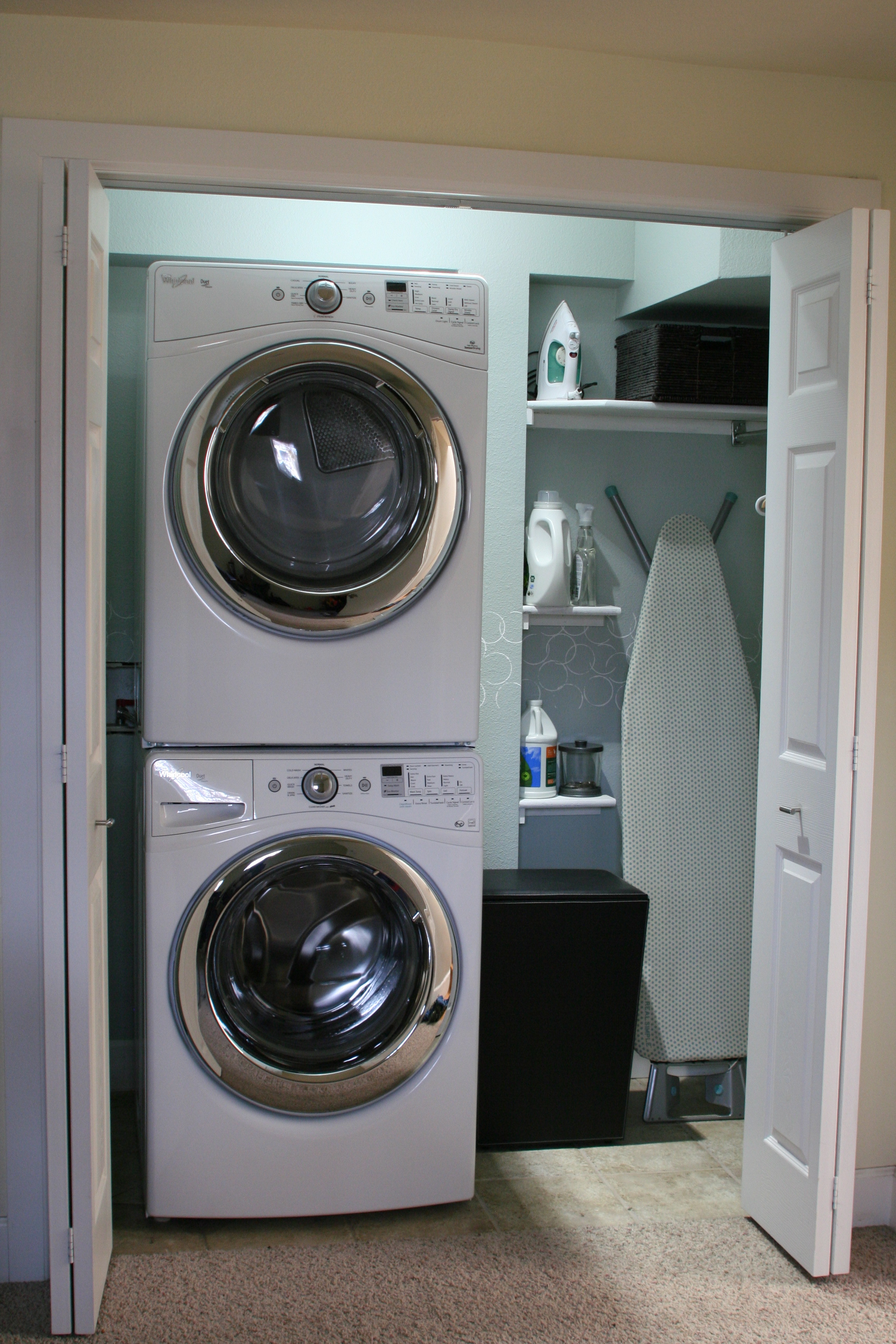 Small laundry room makeover remodelaholic bloglovin for Small utility room