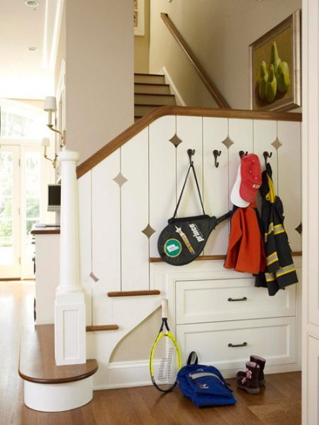 small mudroom drop zone, via BHG